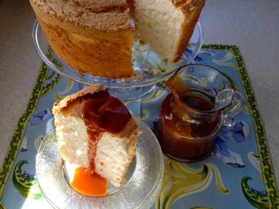 Post image for Tangerine Angel Food Cake #Baketogether