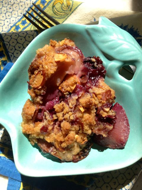 Post image for Blueberry Peach Ginger Crumble